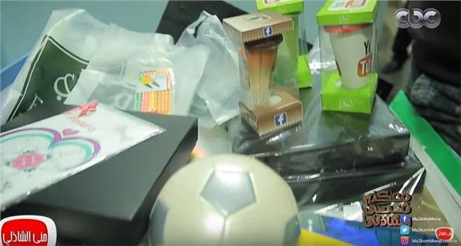 """هدايا لطلاب مدرسة """"طه حسين"""" بالسويس"""