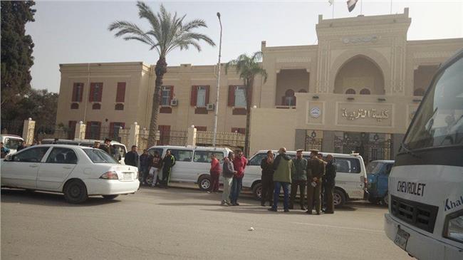 وقفة احتجاجية لسائقي الميكروباص امام ديوان محافظة الغربية