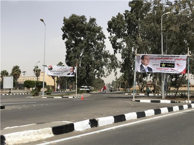 صورة من امام منتجع الفرسان