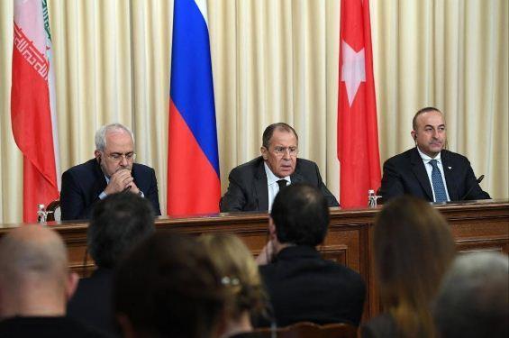 وزراء خارجية تركيا وروسيا وإيران