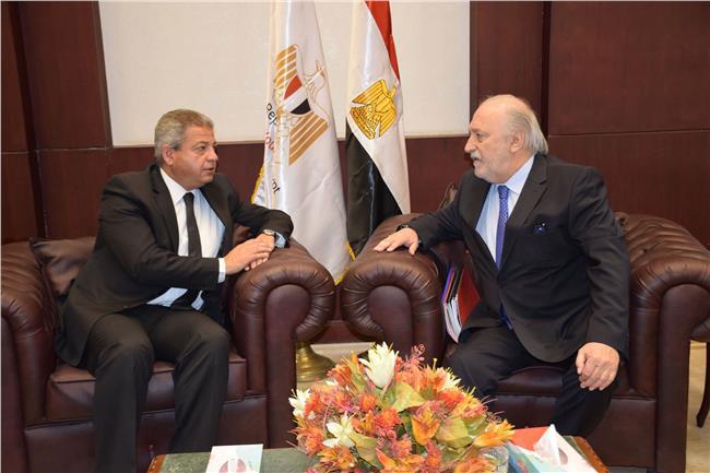 وزير الرياضة يستقبل رئيس الاتحاد الدولي للاسكواش