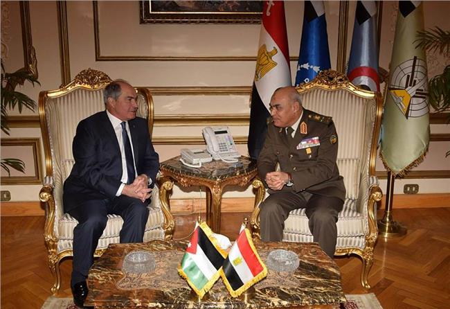 الفريق أول صدقي صبحي يستقبل رئيس الوزراء ووزير الدفاع الأردني