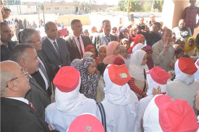 محافظ المنيا يفتتح محطة رفع صرف صحي