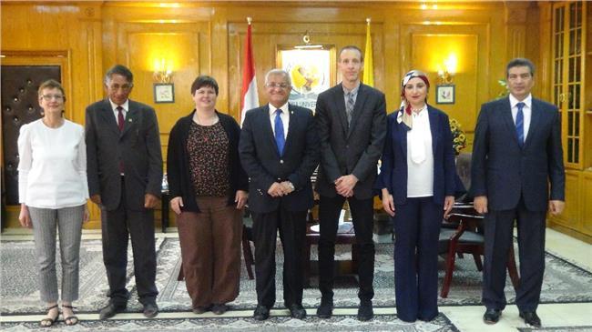 رئيس جامعة المنيا يكرم البعثة الأثرية الألمانية في تونا الجبل