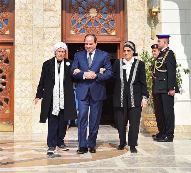الرئيس السيسي يستقبل متبرعتان لصندوق تحيا مصر