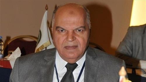 خلف الزناتي نقيب المعلمين ورئيس اتحاد المعلمين العرب