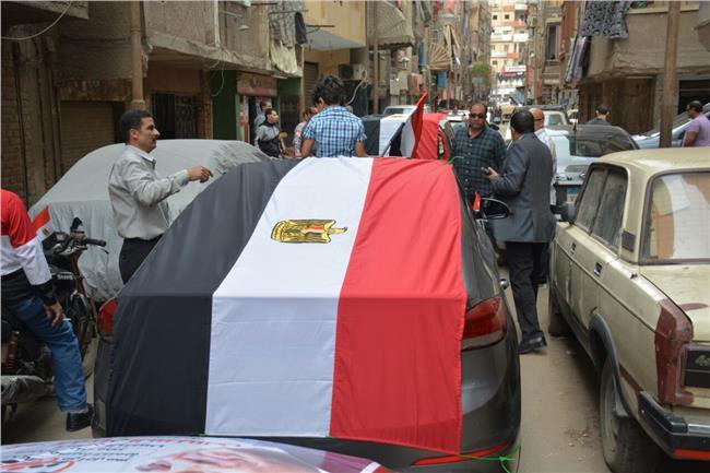 مسيرة بالسيارات تدعم الرئيس السيسى بشبرا الخيمة