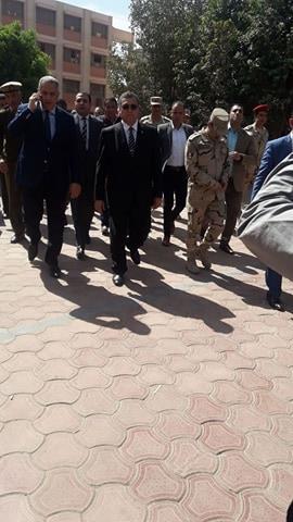 محافظ الفيوم ومدير الأمن يتفقدان اللجان