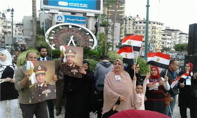جانب من احتفالات الدمايطة بفوز الرئيس السيسي