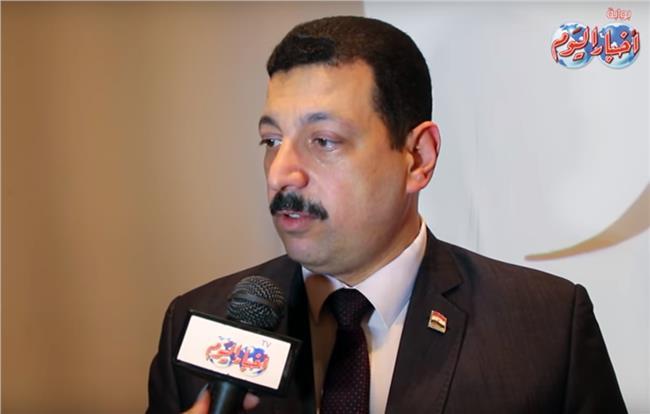 الدكتور ايمن حمزة المتحدث بأسم وزارة الكهرباء
