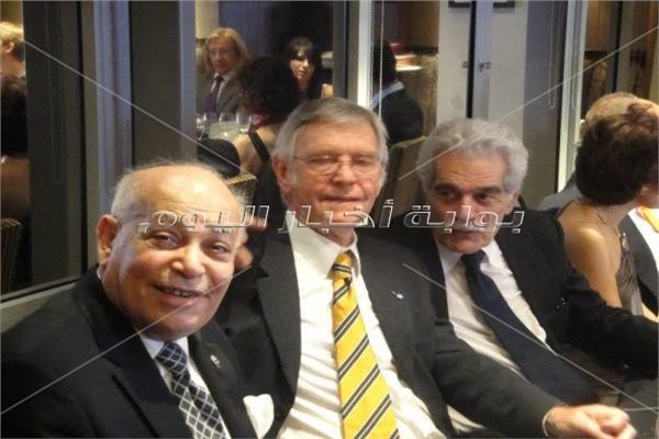 عمر الشريف وتوم كورتيناي وعاصم علام