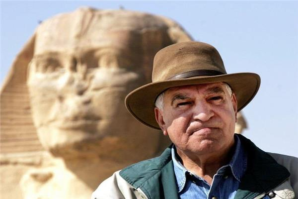 الدكتور زاهي حواس وزير الآثار السابق
