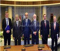 لقاء رئيس الوزراء ومفوض المناخ والطاقة بالاتحاد الأوروبي