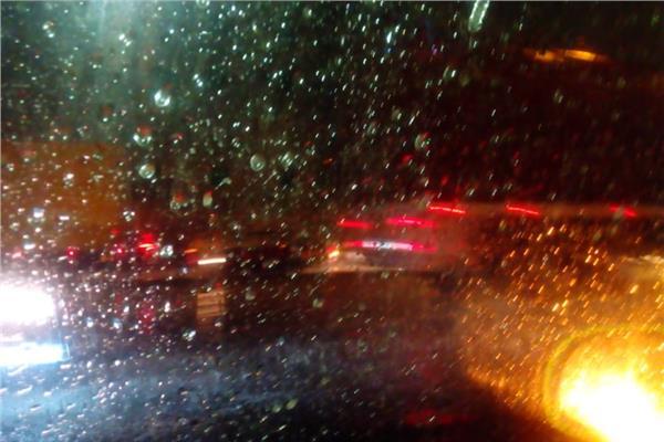 أمطار غزيرة تضرب شوارع القاهرة