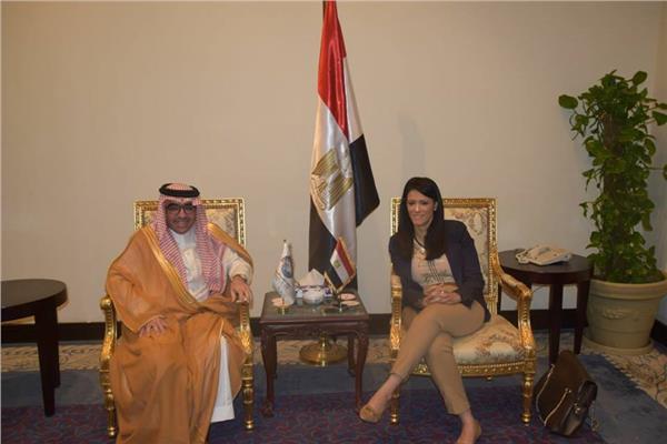 رانيا المشاط  مع بندر بن فهد آل فهيد رئيس المنظمة العربية للسياحة