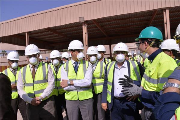 خالد فهمي: الدولة تسعى جاهدة للحفاظ على البيئة من التلوث