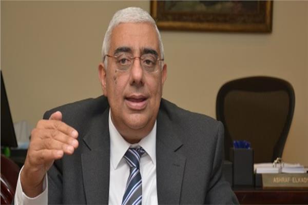 أشرف القاضي رئيس مجلس إدارة المصرف المتحد