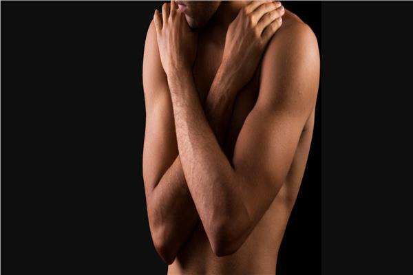 نحت جسم وتصغير للثدي عمليات تجميل يلجأ إليها الرجال
