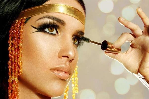 أسرار الفرعونيات مع «الكُحل والروج»