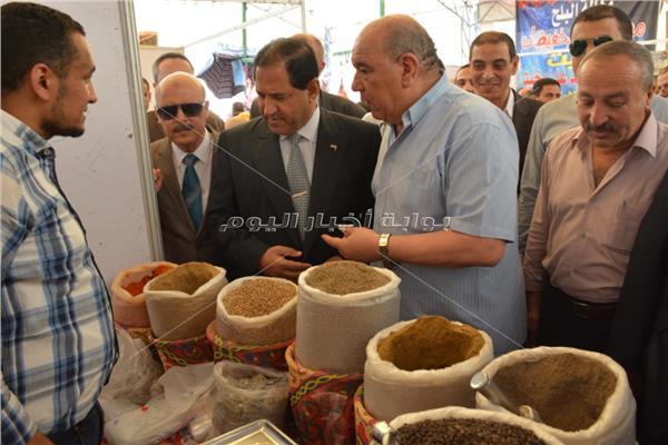 محافظ الغربية يفتتح معرض «أهلا رمضان»بطنطا