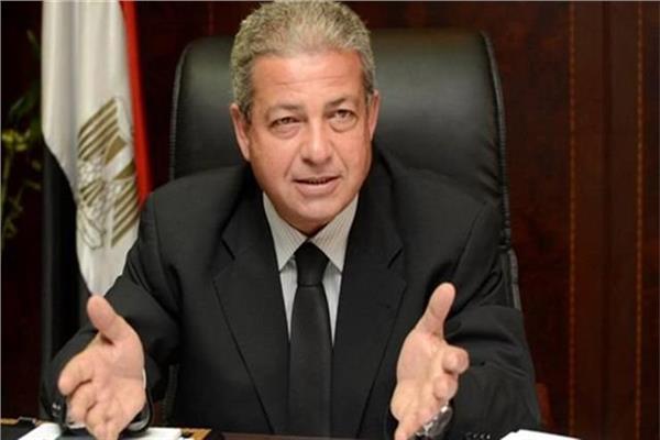 وزير الشباب والرياضة يزور بعثة المنتخب بفندق إقامتهم بالكويت