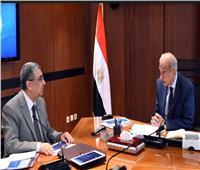 المهندس شرف إسماعيل مع وزير الكهرباء