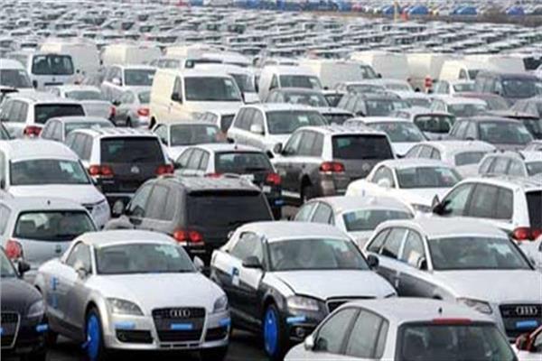 خبير طرق يضع عدة حلول لتخفيض أسعار السيارات