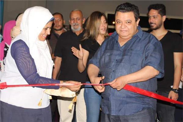 خالد جلال يفتتح معرض عندما تتحدث