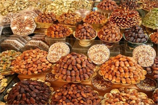 «أسعار البلح وأنواعه» في الرابع عشر من رمضان