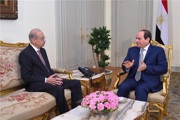 الرئيس عبد الفتاح السيسي يلتقي المهندس شريف إسماعيل