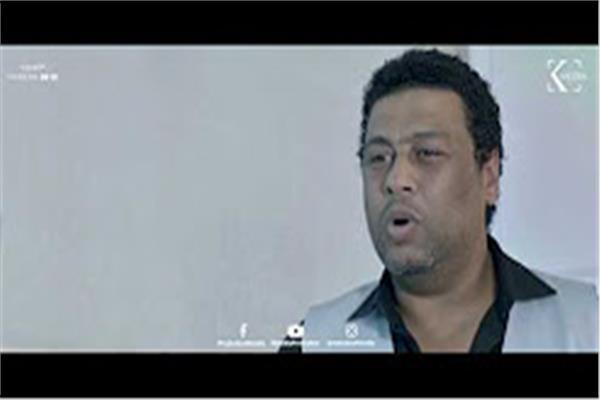 فيديو  عم ضياء يواصل الكآبة بأغنية وردة «الدنيا غدارة»