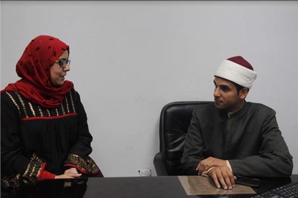إمام وزارة الأوقاف مع محررة بوابة أخبار اليوم