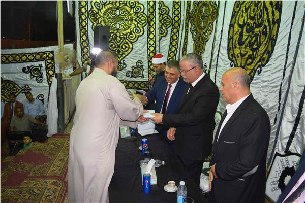 محافظ المنيا يكرم المتميزين من حفظة القرآن الكريم