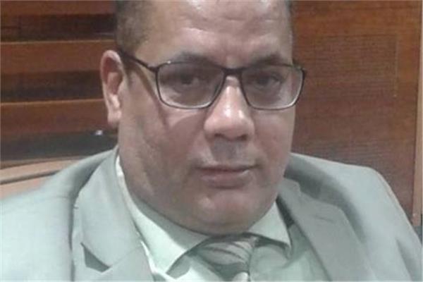 مكي محمد عسكر مدير الصالة الموسمية بالمطار