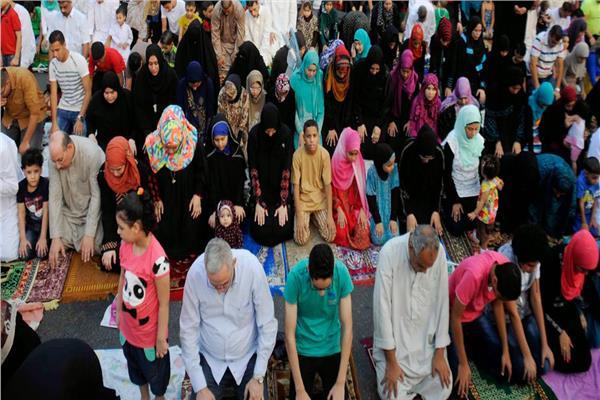 صورة أرشيفية- تنويه من الإفتاء بشأن صلاة العيد للرجال والنساء