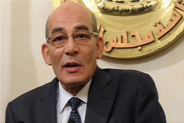 الدكتور عبد المنعم البنا وزير الزراعة