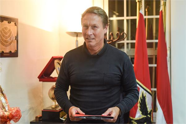 الهولندى مايكل ليندمان، مخطط الأحمال الجديد بالجهاز الفني للفريق الأول لكرة القدم بالنادي الأهلي