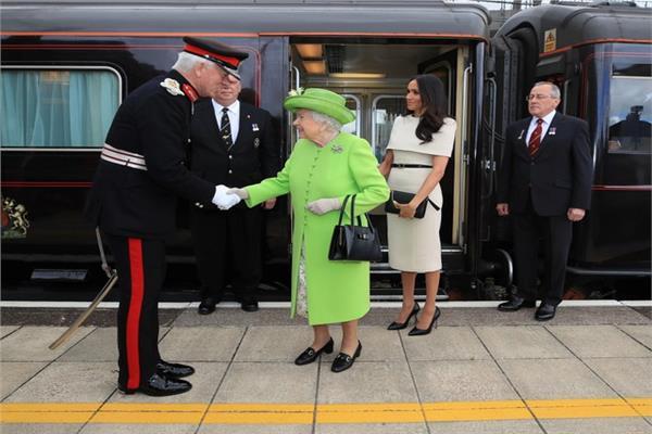 الملكة إليزابيث وميجان ماركل - رويترز