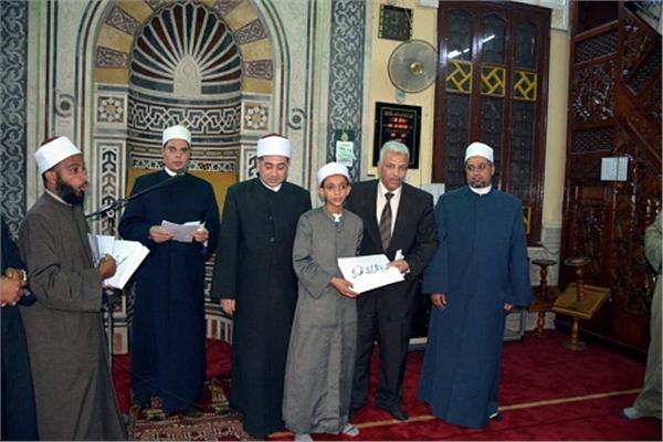 تكريم 21 من حفظة القرآن في احتفالية ليلة القدر بالقليوبية