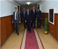 وصول وزير التنمية المحلية لمقر الوزارة