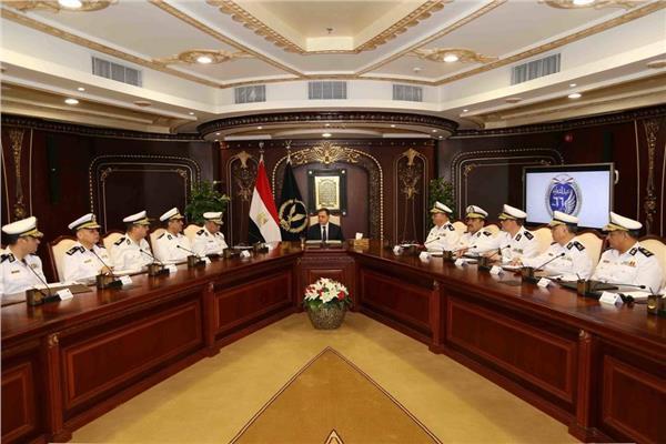 الاجتماع الأول للواء محمود توفيق وزير الداخلية