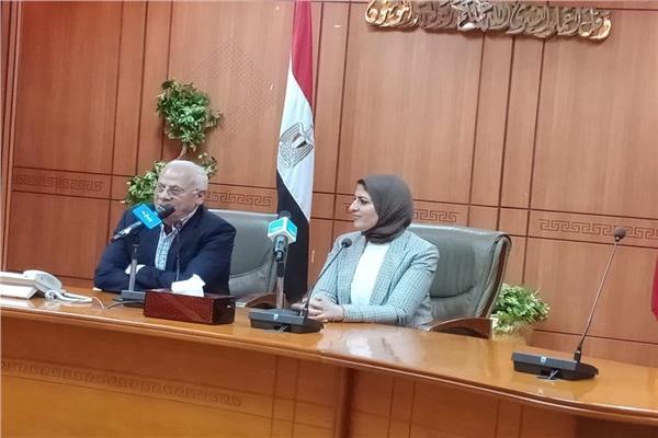 وزيرة الصحة خلال جولتها ببورسعيد