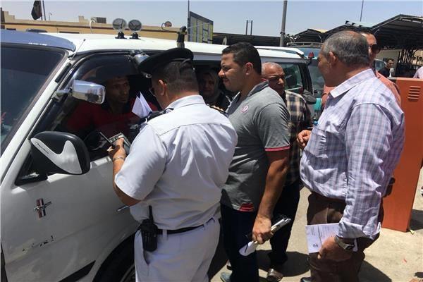 قوات الأمن تواصل التفتيش على المواقف للتأكد من الالتزام بالتعريفة