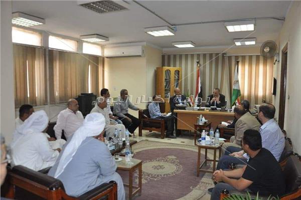 جانب من اجتماع اللواء محمد كمال الدالى  محافظ الجيزة