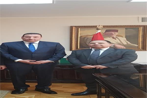 «الصيادلة» تبحث مشاكل أعضائها مع وزير المالية