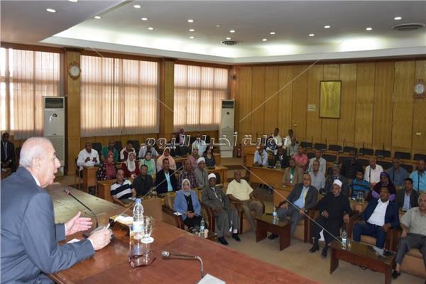 محافظ أسوان يقررإنشاء مجلس إقليمي لمراقبة ومتابعة الأسواق
