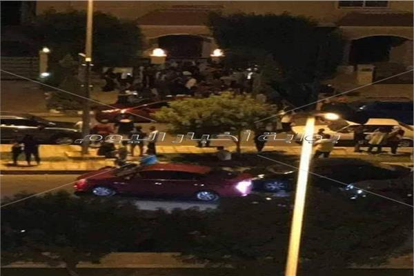 بالصور| قوات الشرطة تؤمن فيلا محمد صلاح بعد تجمهر معجبيه