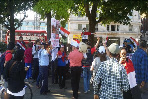 بالصور| المصريون في لندن يحتفلون بذكرى ثورة 30 يونيو