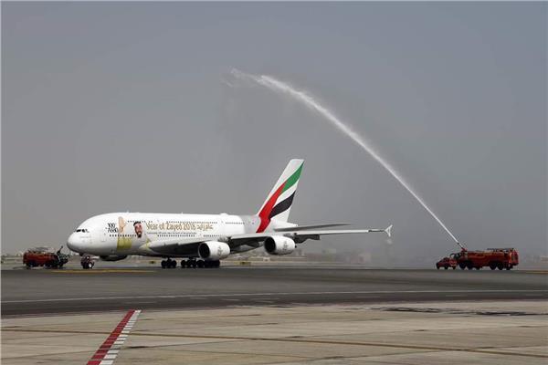 طيران الإمارات تحتفل بمرور 25 عاما على بدء رحلاتها إلى عمان