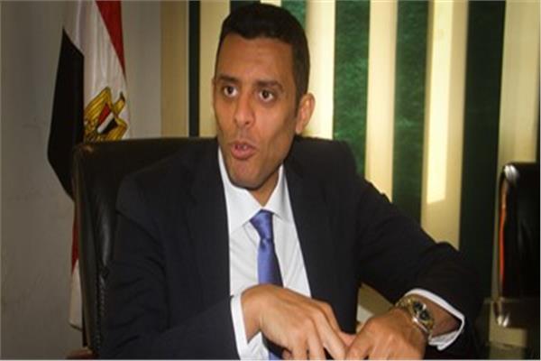 الدكتور محمد منظور